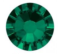 Стразы Swarovski № 6, цвет  изумрудный 50 шт.